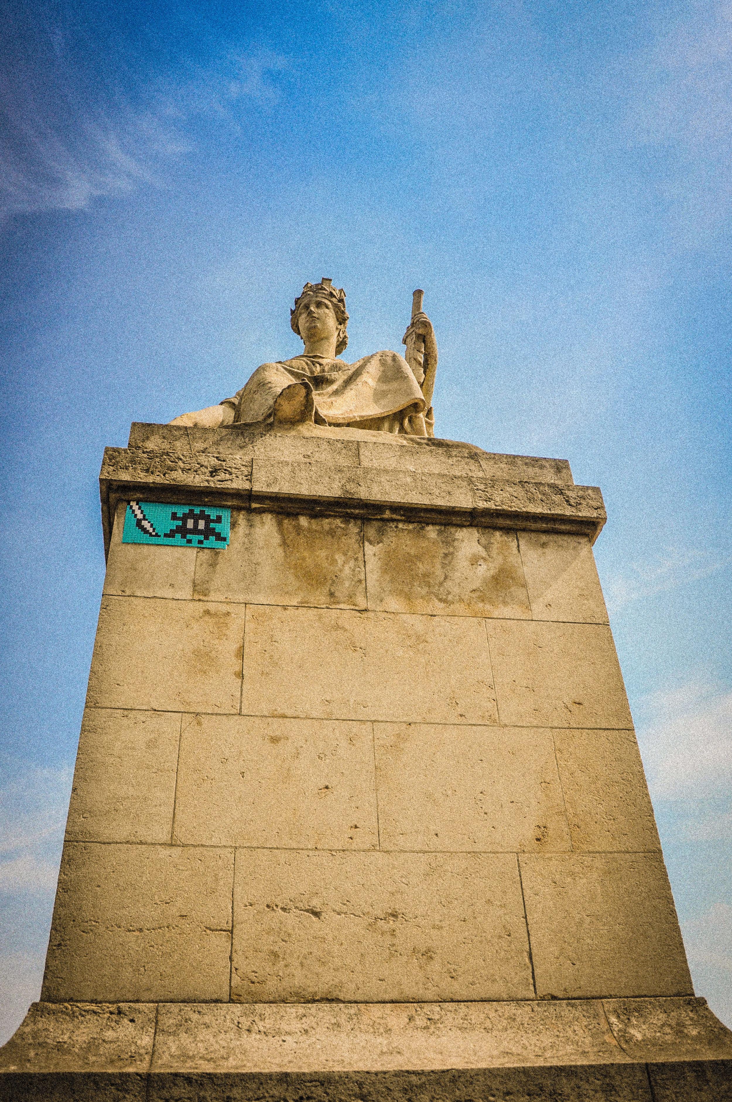 Louvre Invader