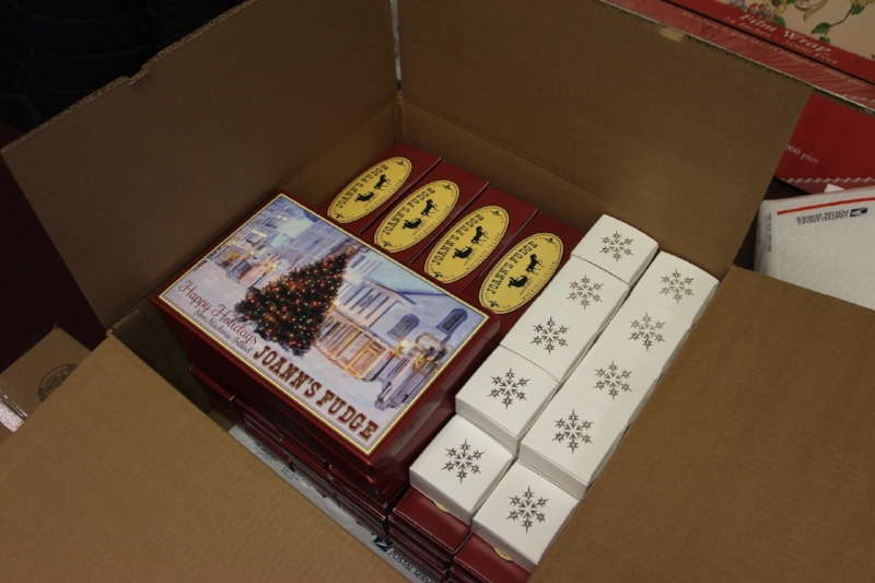 You can order fudge in a variety of box sizes.
