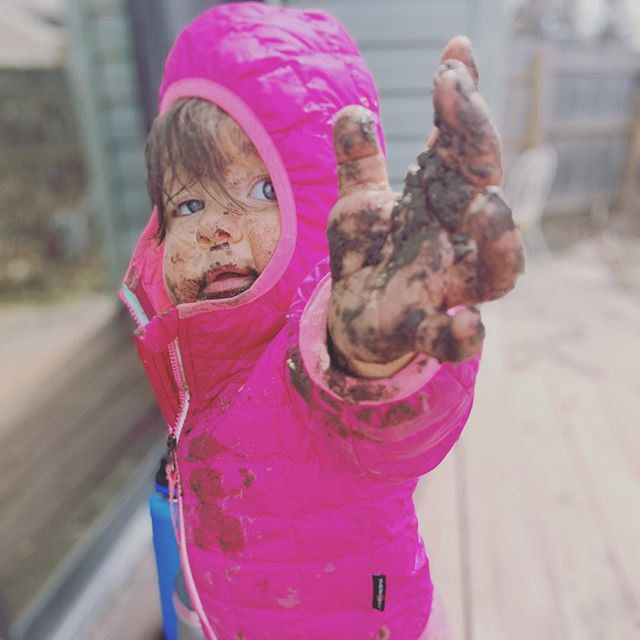 #parentingstyle any questions? 🤣😂😜 . . . . . #motherhood #doula #postpartum #birth #empoweredbirth #baby #mama #mud #nature #pregnancy #birthdoula #boulder #colorado