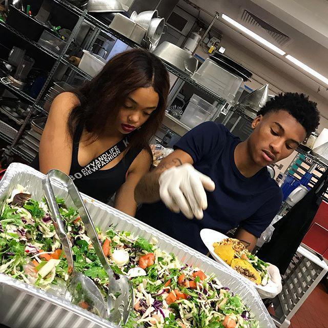 BEAUTIFUL MEAL FRIDAY by @koshary_by_misteka! Be More Green: Divayogi & City Weeds partnered up with #DontEatAlone to provide 100 healthy meals free to the youth at The Food Project today at 6PM.  #Eat2Live: Served the following: - Koshary / vegan and gluten free grain bowl (consist of rice, lentils, pasta, chickpea and topped with tomato sauce, vinaigrette and fried onions). - green mixes salad / vegan and gluten free - vegan kofta /contains soy/ vegan and gluten free - beyond meat kofta (kabob style) vegan - dips (hummus, baba ganoush) and mixed vegetable pickles. - bread, donated by Great Harvest, Columbia