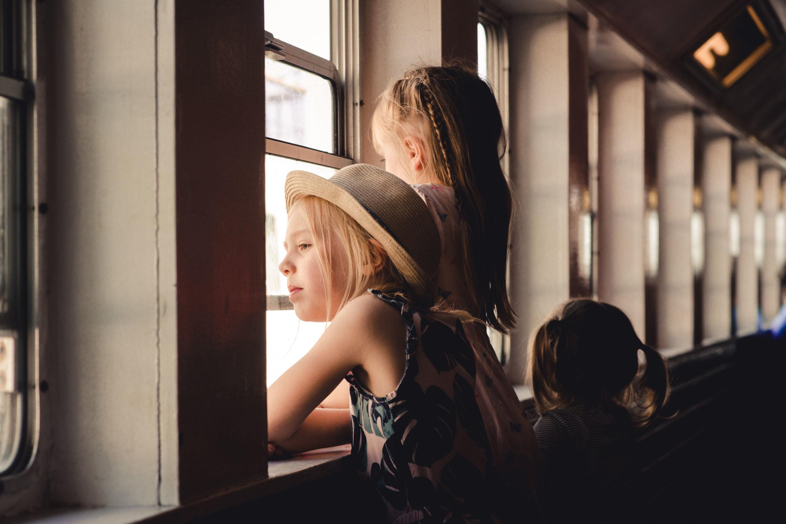 girls on a boat-RTC-RYAN THOMPSON-PHOTOGRAPHY-TORONTO