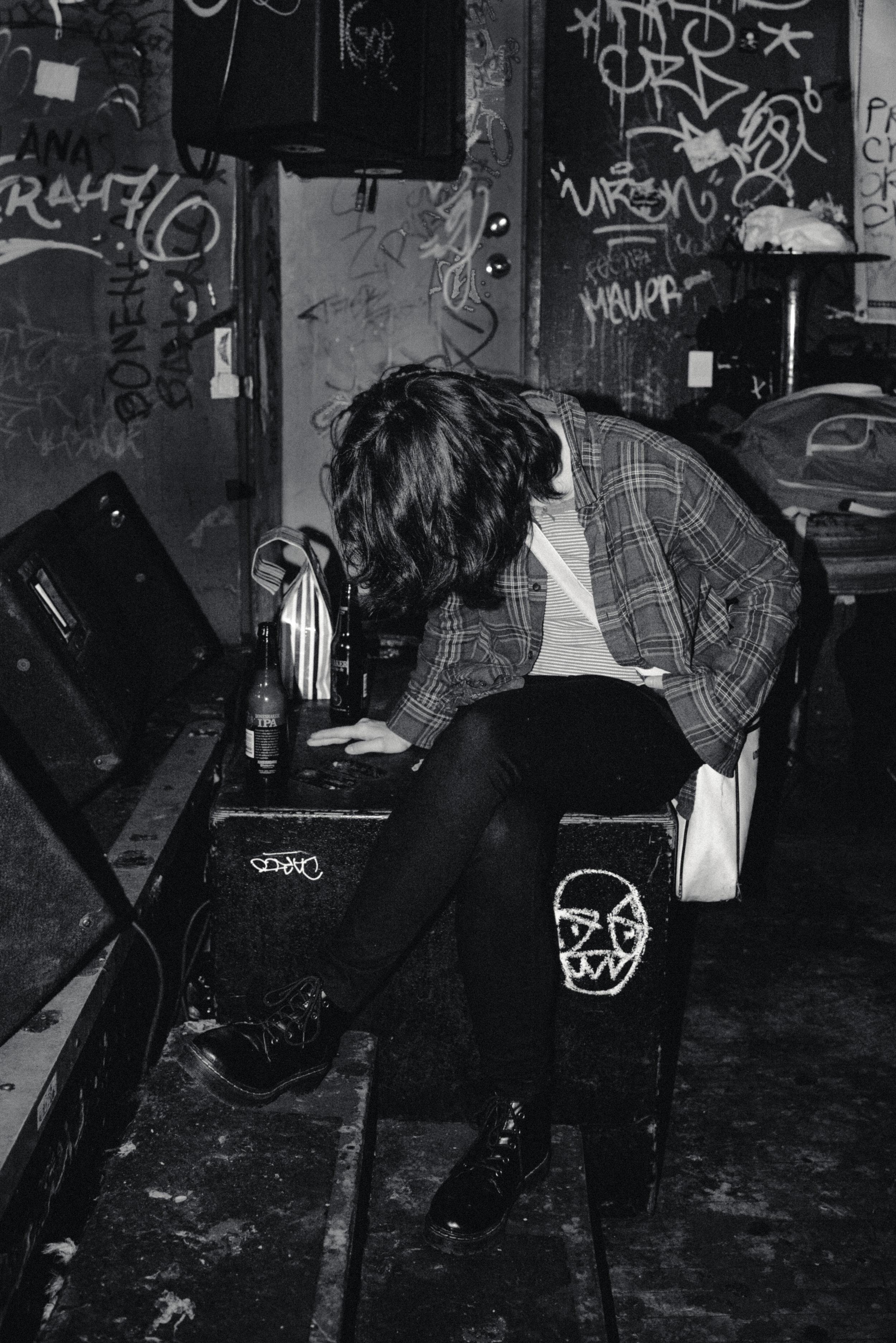 GIRL AT BAR-RTC-RYAN THOMPSON-PHOTOGRAPHY-TORONTO