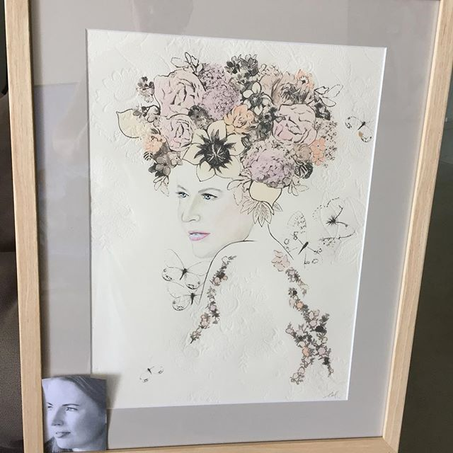 Many thanks to Bridget and Colleen from @onesonnyday.  Colleen transformed Emma from the photo, seen in the corner, to the goddess, lace embossed setting. A treasured keepsake that will take pride of place in our home.  Take a look at the wonderful work Bridget, Colleen and their team create.  #keepsake #giftideas #onesonnyday #babykeepsake #babymemories