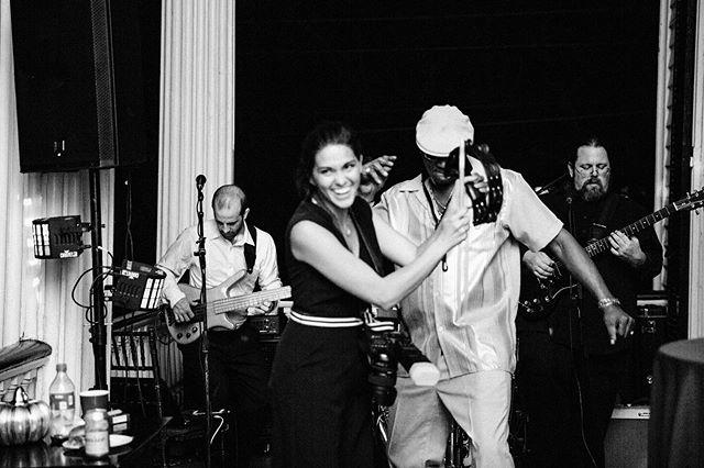 Sometimes I get to play in the band. #livinmybestlife #weddingphotographer • • • • • • • #charleston #charlestonphotographer #downtowncharleston  #charlestonblogger  #charlestonboutique #naturallightphotographer #mastinlabs #storyteller #lifestylephotographer #charlestonlifestylephotographer #charlestoneditorialphotographer #chsgrammers #realmoments #momboss #motherhoodmoments #charlestonfamilyphotographer #charlestonlifestylephotographer #charlestonbeachphotographer #charlestonmoms  #dearphotographer #mastinmamas #charlestonluxuryphotographer #charlestonluxury #oliveandivoryphotofamily #mastinmamas #loveroflight  #charlestondesigner #behindthescenes #momtog @jajordan2012 @ltshiroamada