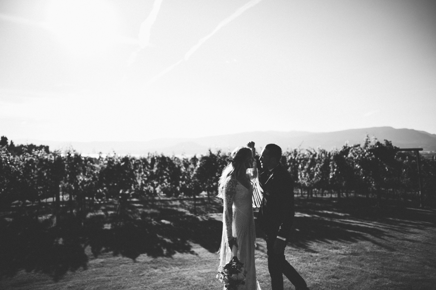 Kelowna Summer modern boho wedding-jessika hunter photo-25.JPG