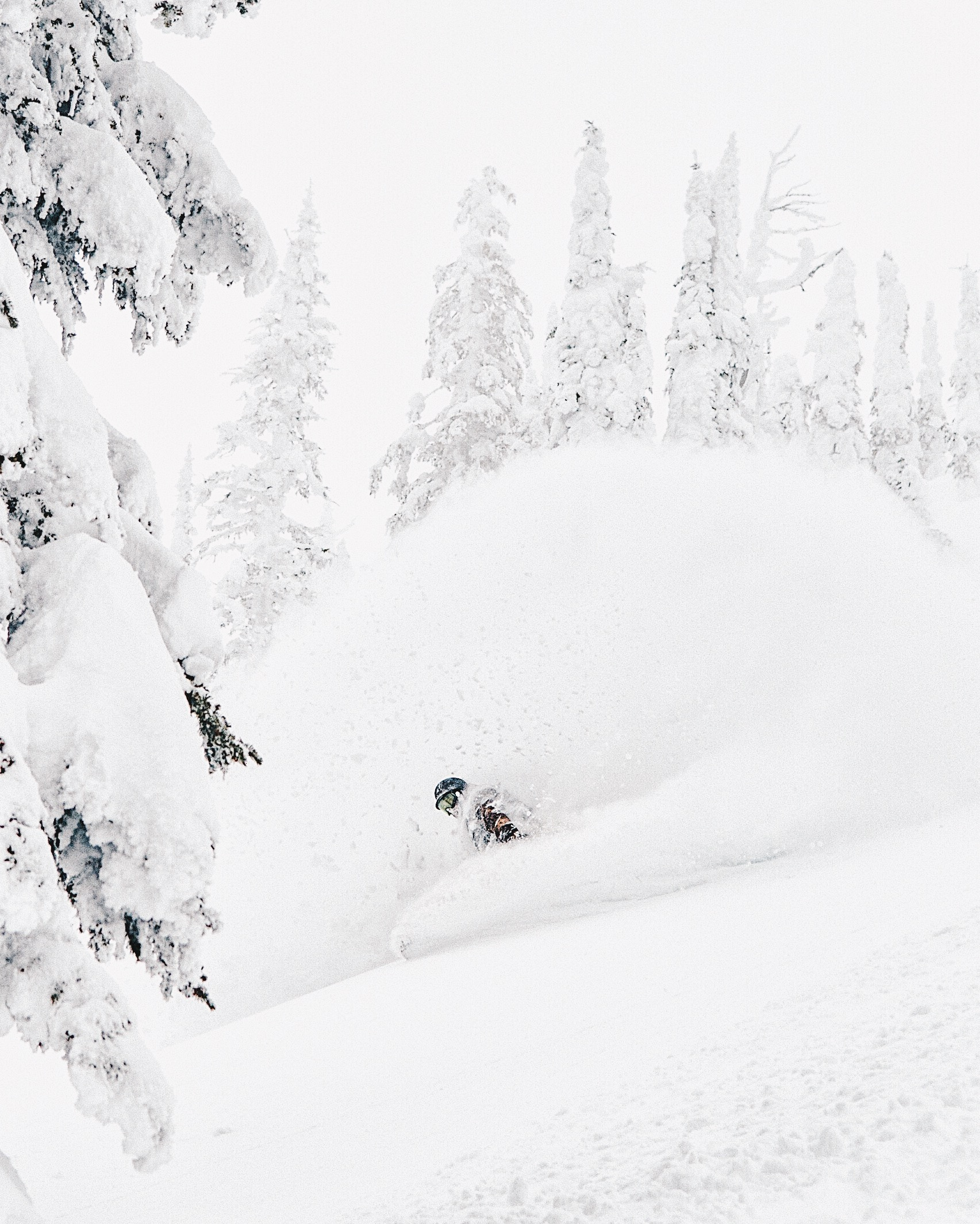 Baldface Lodge Snowboarding Nelson BC Jessika Hunter Photo.JPG