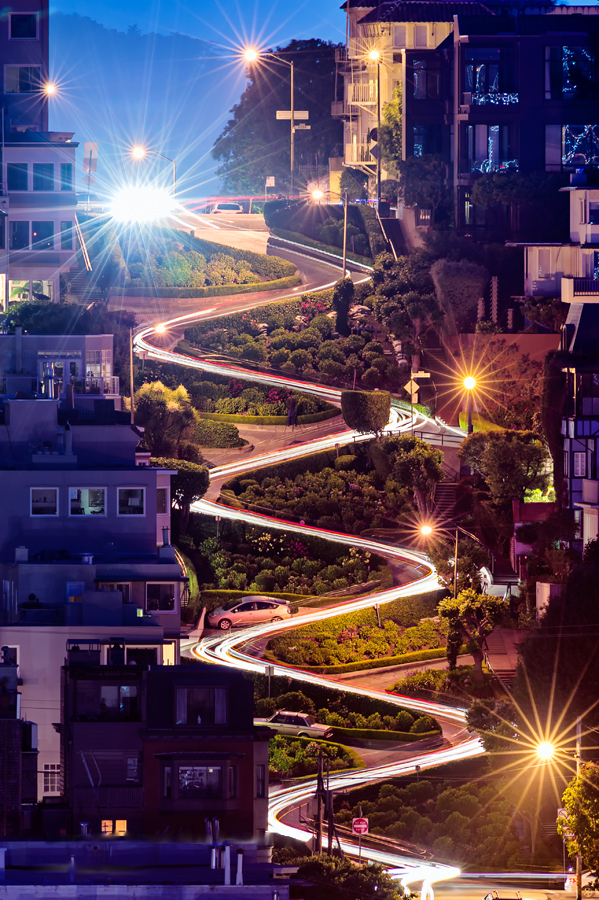 Most winding street in the world - Lombard St (San Francisco, USA)