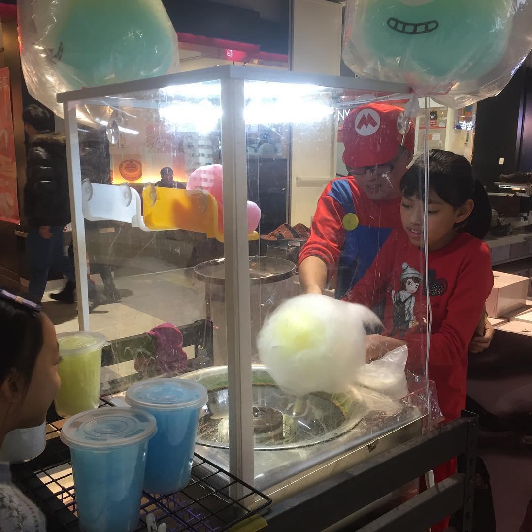 | 棉花糖DIY體驗 |  一起體驗製作棉花糖的古早味樂趣!  時間 | All time (3~5min) 地點 | 11微笑造型棉花糖 攤位