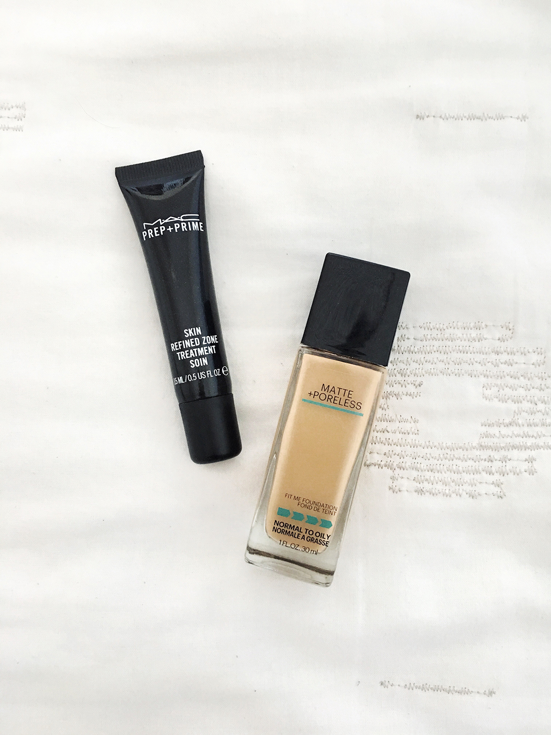 Looking for the best primers and foundations oily skin? I'm rounding three of the best primers and foundations for my oily skin and sharing it with you over on beautybyjessika.com.
