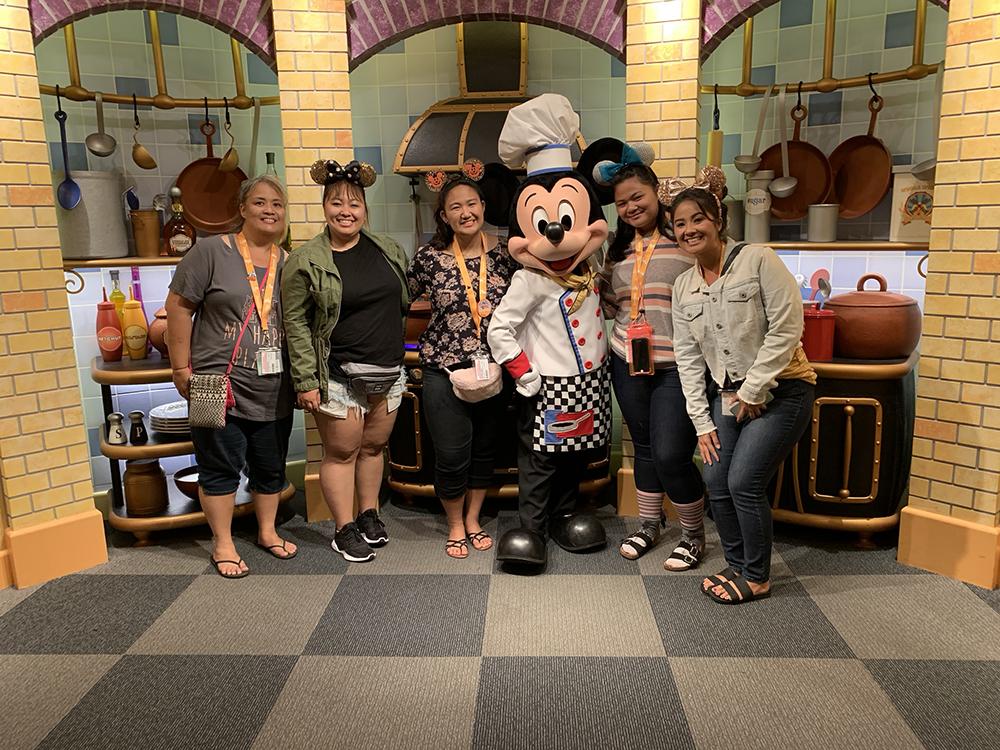 10/09/18 — Visiting Chef Mickey at Goofy's Kitchen!