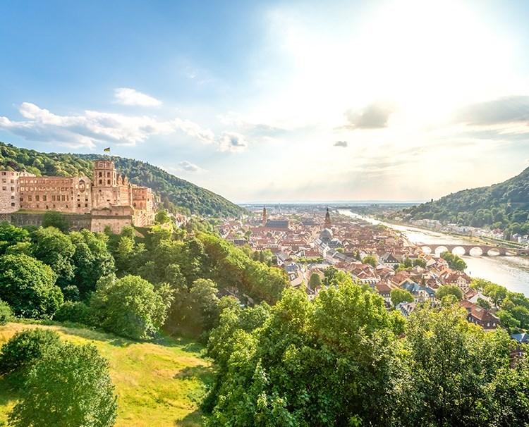 rhinemoselfairytales_GERMANY_Heidelberg_PanoramicView_ss_379280509_dailyprogram.jpg