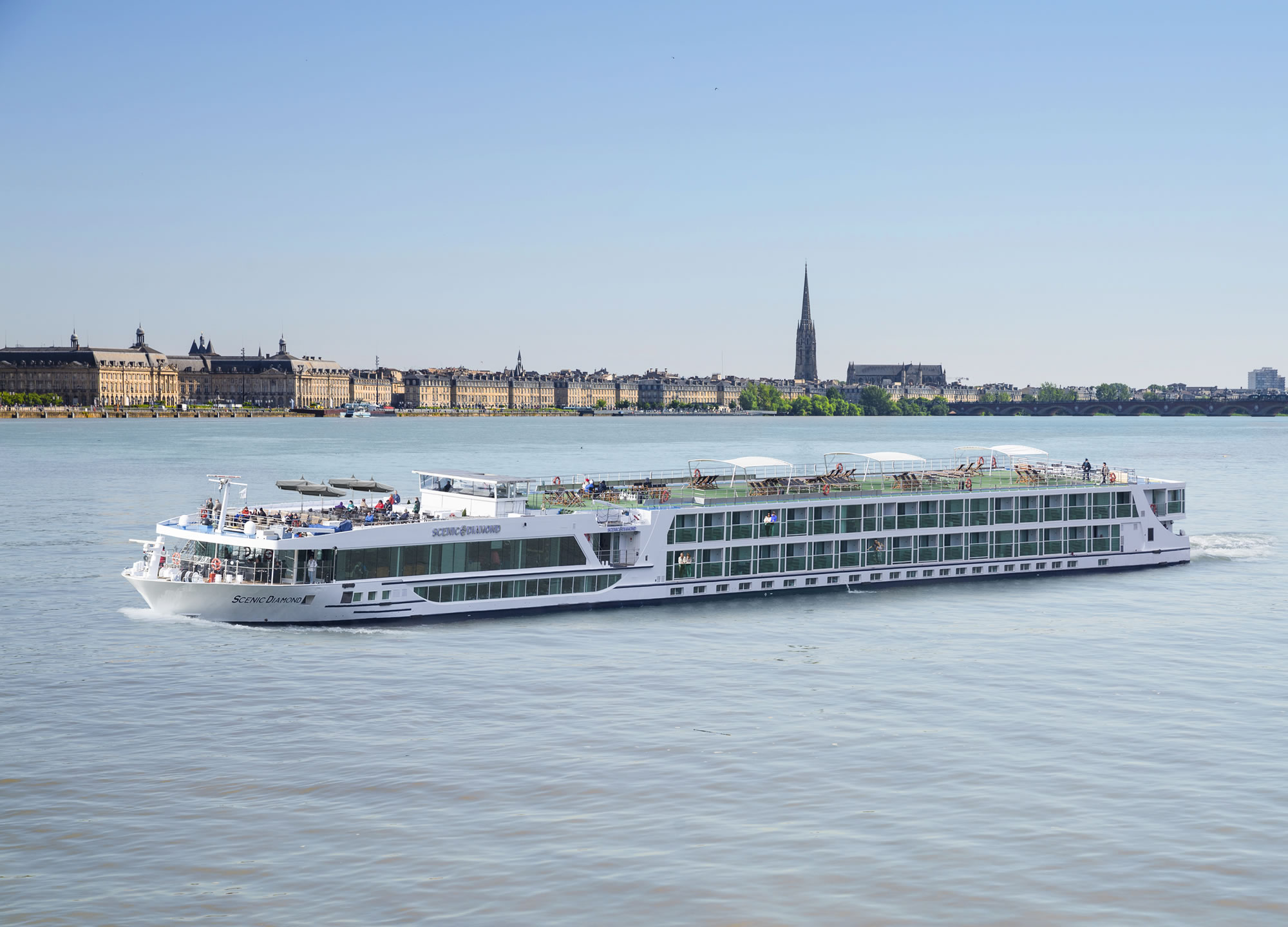 Scenic-Diamond-Bordeaux.jpg