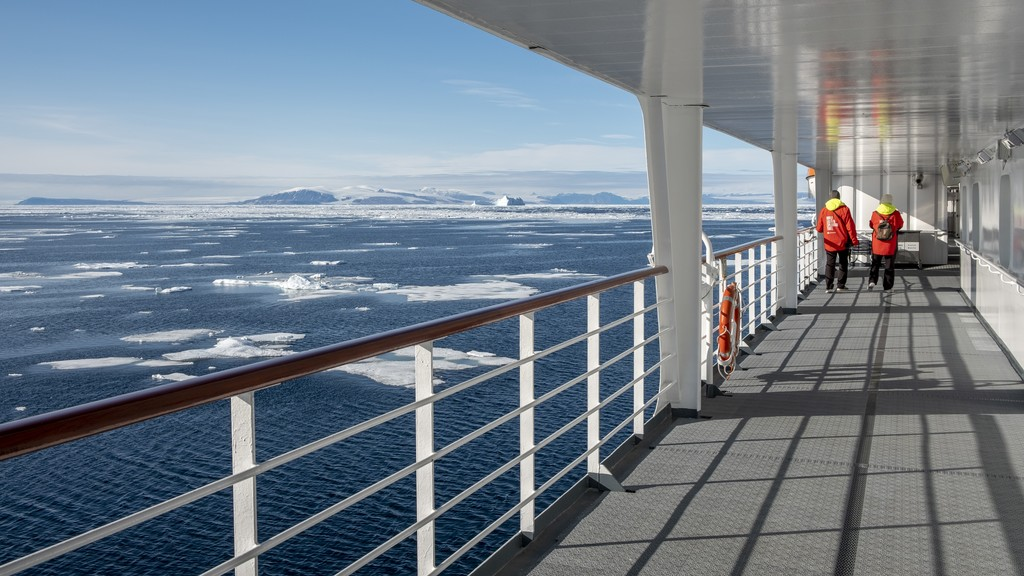 View-from-deck-Ice-Edge-Greenland-HGR-125329_1024.jpg