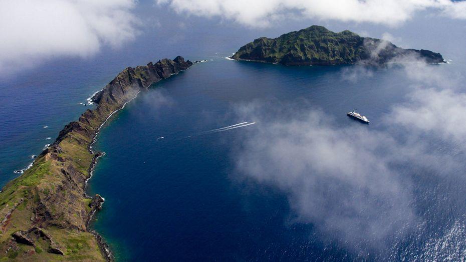 silversea-asia-cruise-maug-islands-northern-marianas-islands.jpg