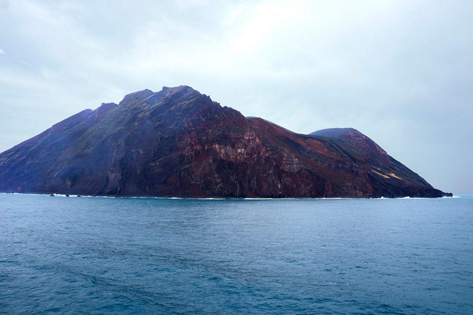 silversea-asia-cruise-tori-shima-island-japan.jpg
