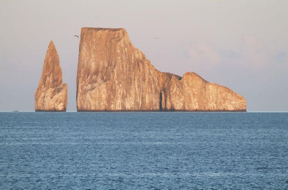 new-itinerary-roca-leon-dormido-silversea-galapagos-cruise-roca-leon-dormido.jpg