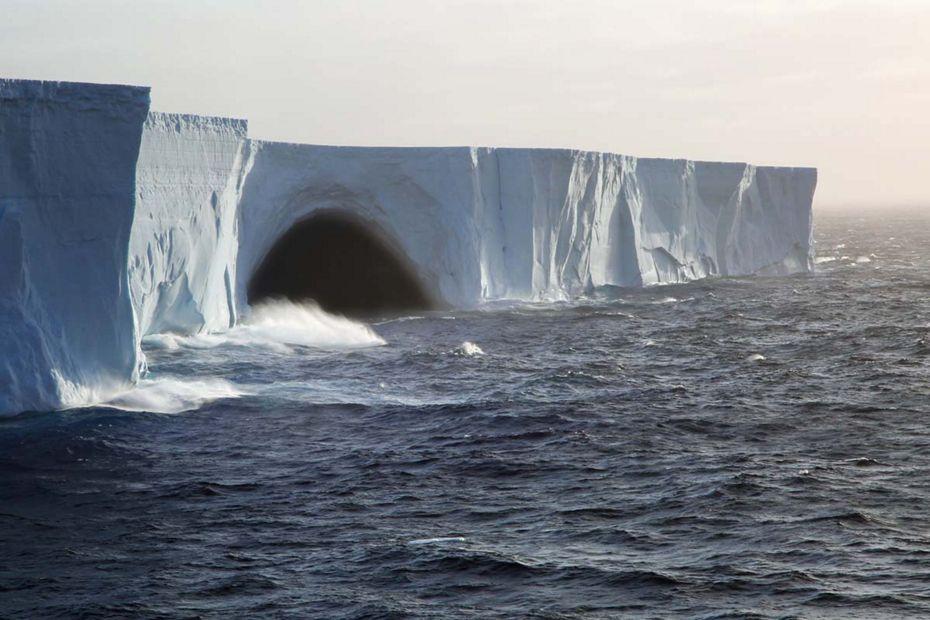 silversea-luxury-cruises-antarctica-drake-passage-iceberg.jpg