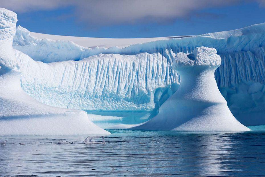 silversea-luxury-cruises-antartic-peninsula-iceberg.jpg