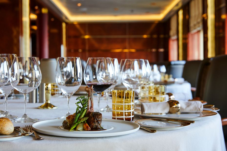silversea-ship-silver-cloud-dining-la-dame-1.jpg