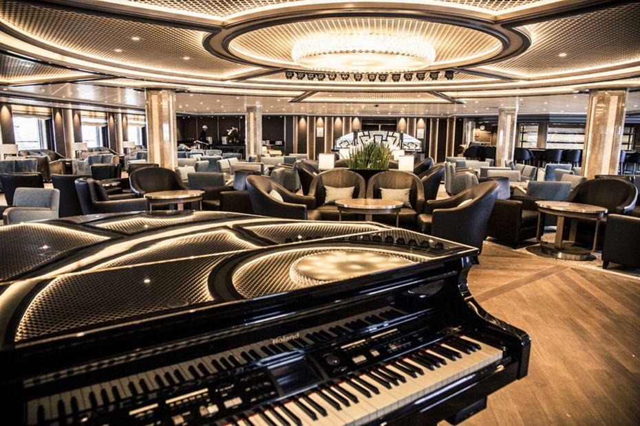 silversea-luxury-cruise-silver-spirit-public-area-dolce-vita-1.jpg