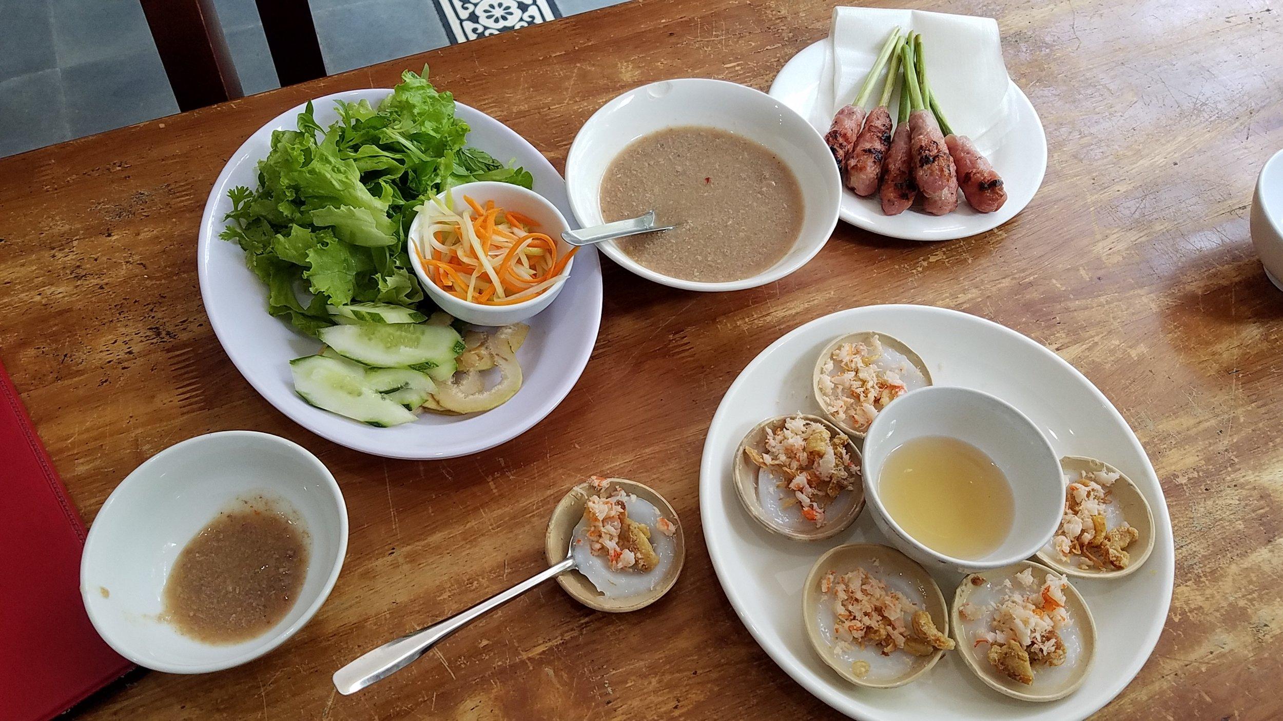 lunch in Hue 2.jpg
