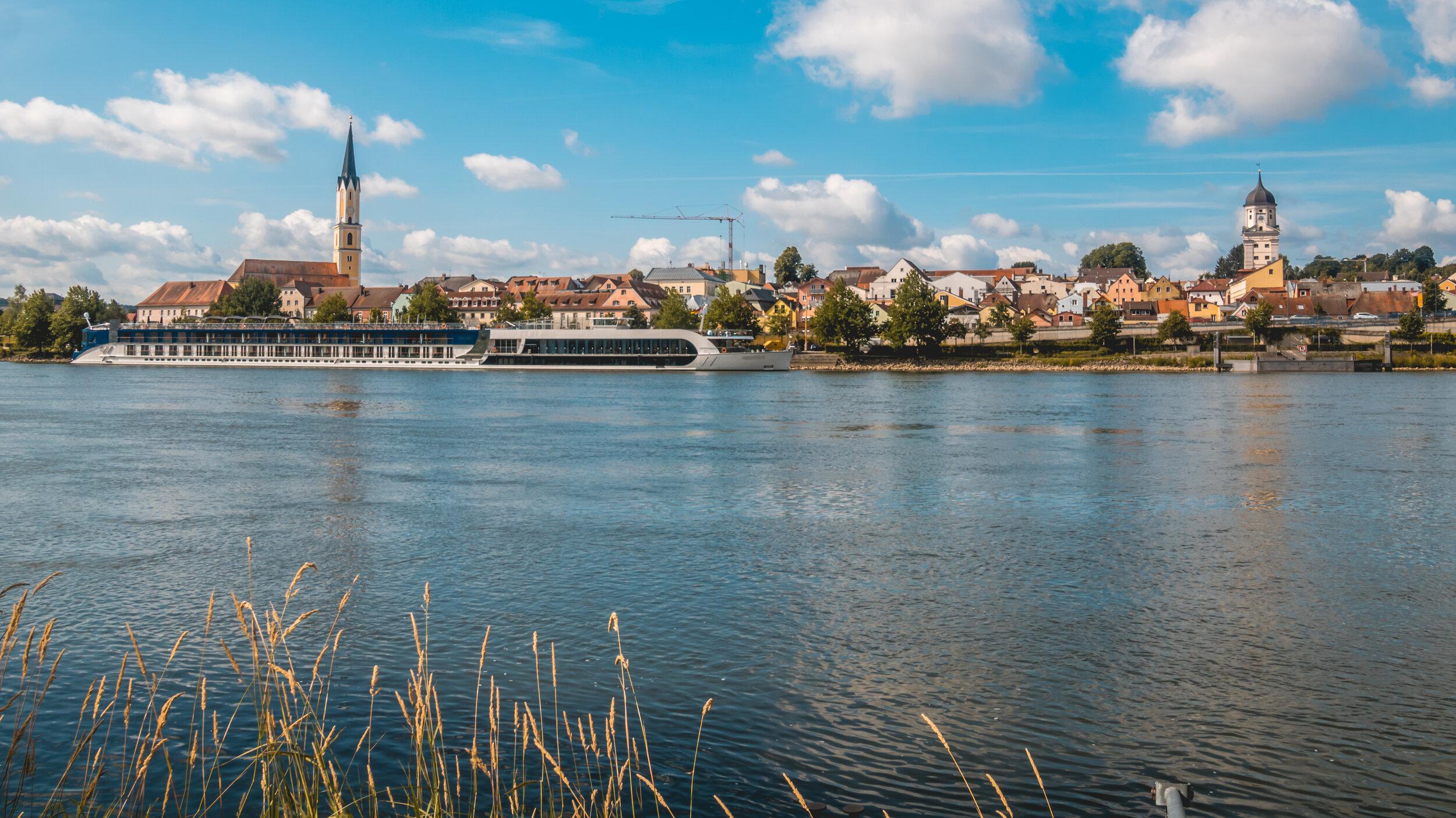 Beautiful reflections near Vilshofen - Danube - Bavaria - Germany