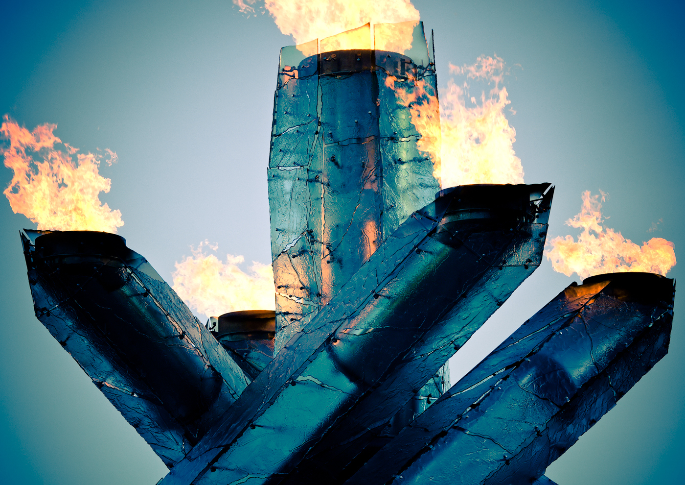 2010 Vancouver Winter Olympics, Cauldron Lit