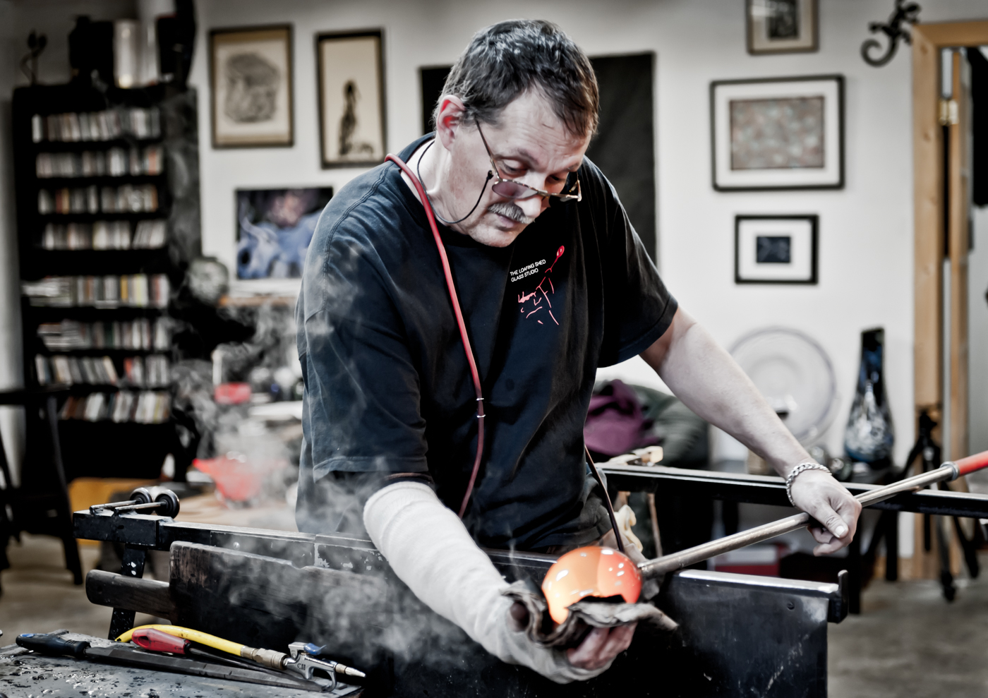 Robert Gary Parkes - the Loafing Shed Glass Studio