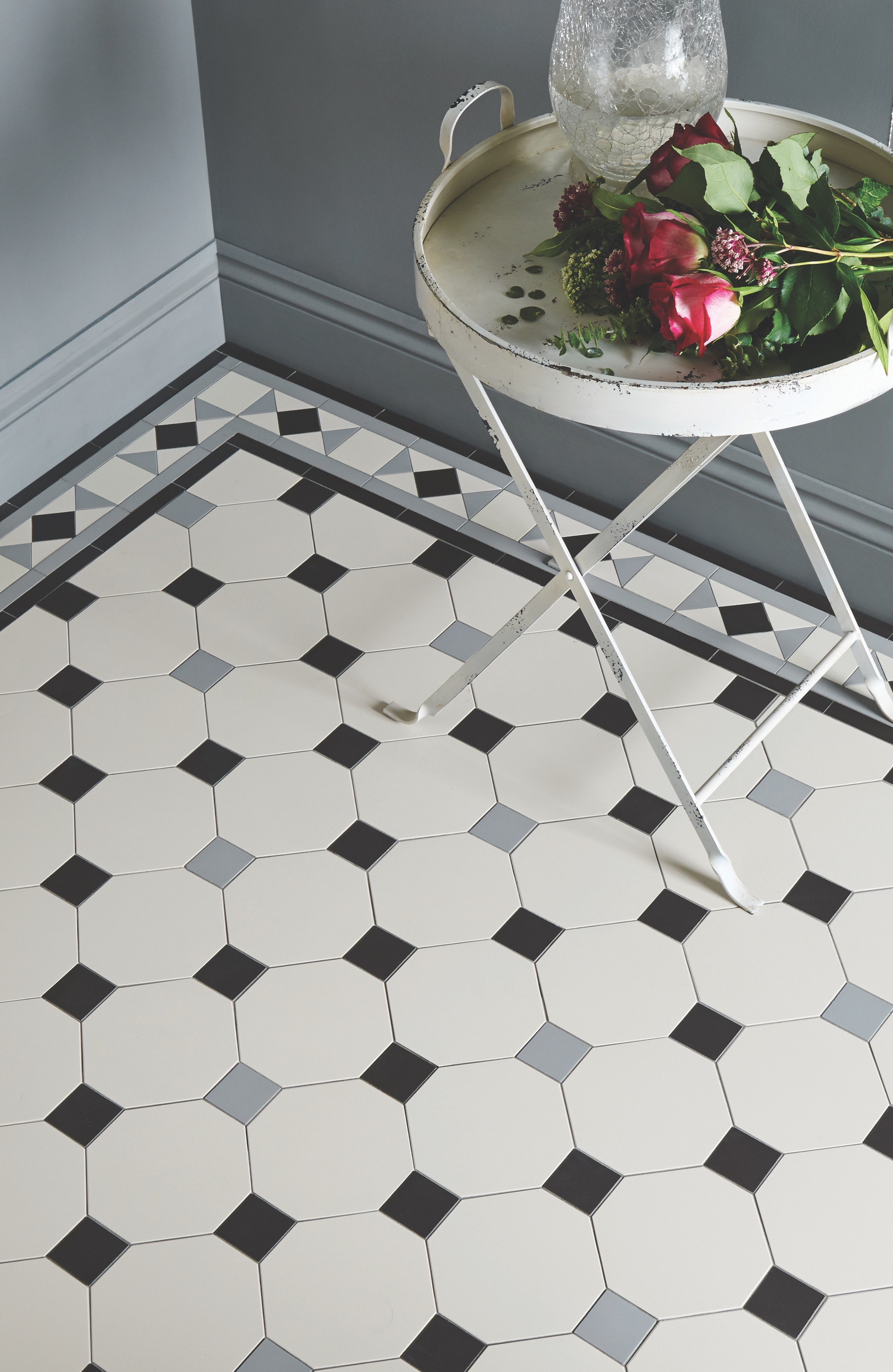 Original Style - VFT - Conrad border with Nottingham pattern in Black, Grey and Dover White.jpg