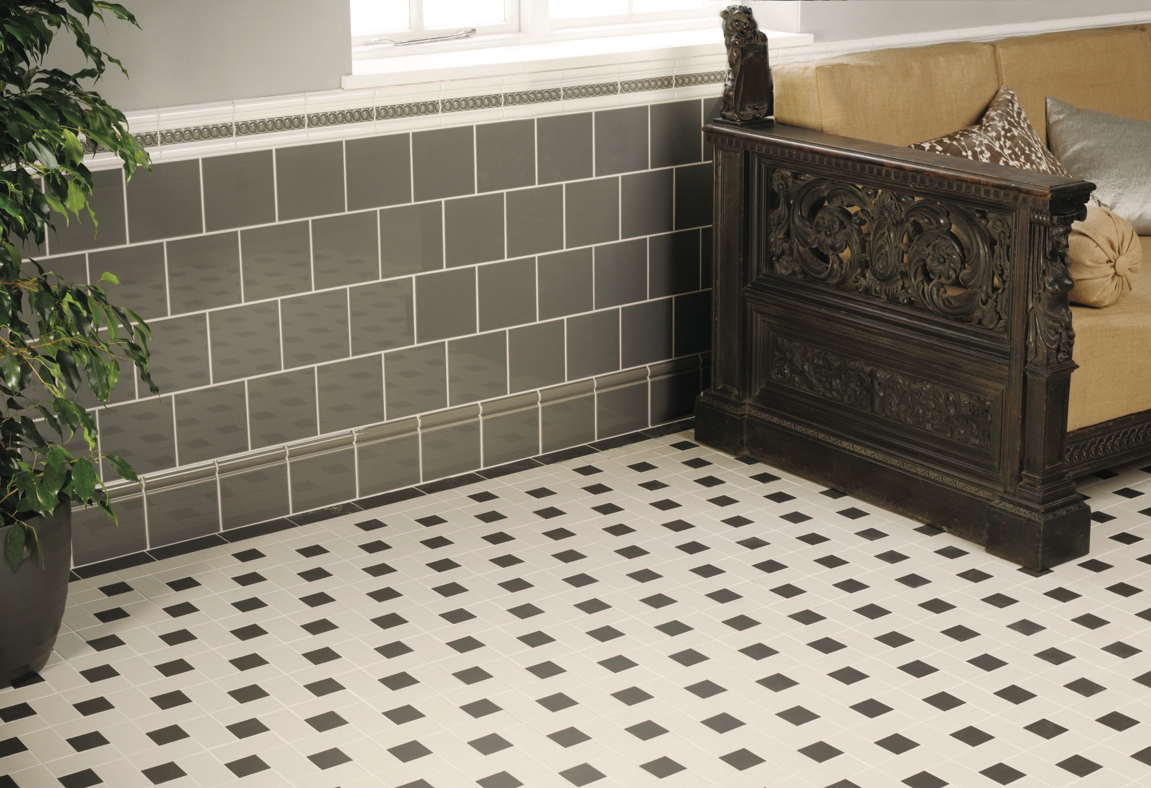 Original Style - VFT - Lincoln pattern and simple border in Black and Dover White with Artworks London Stone on wall.jpg