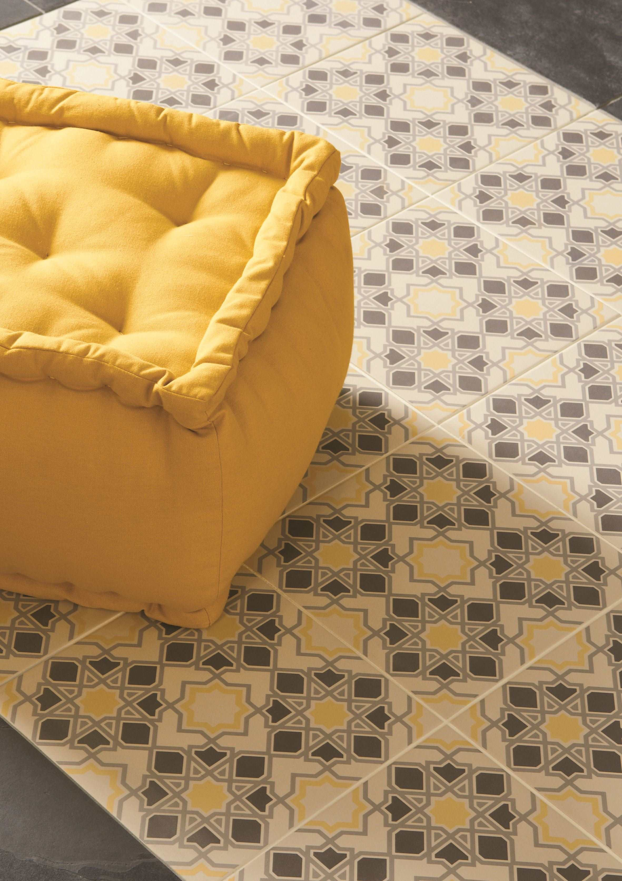 Original Style_Odyssey_Grande_Bolero Light Grey, Dark Grey, Summer Yellow 8712_closeup.jpg