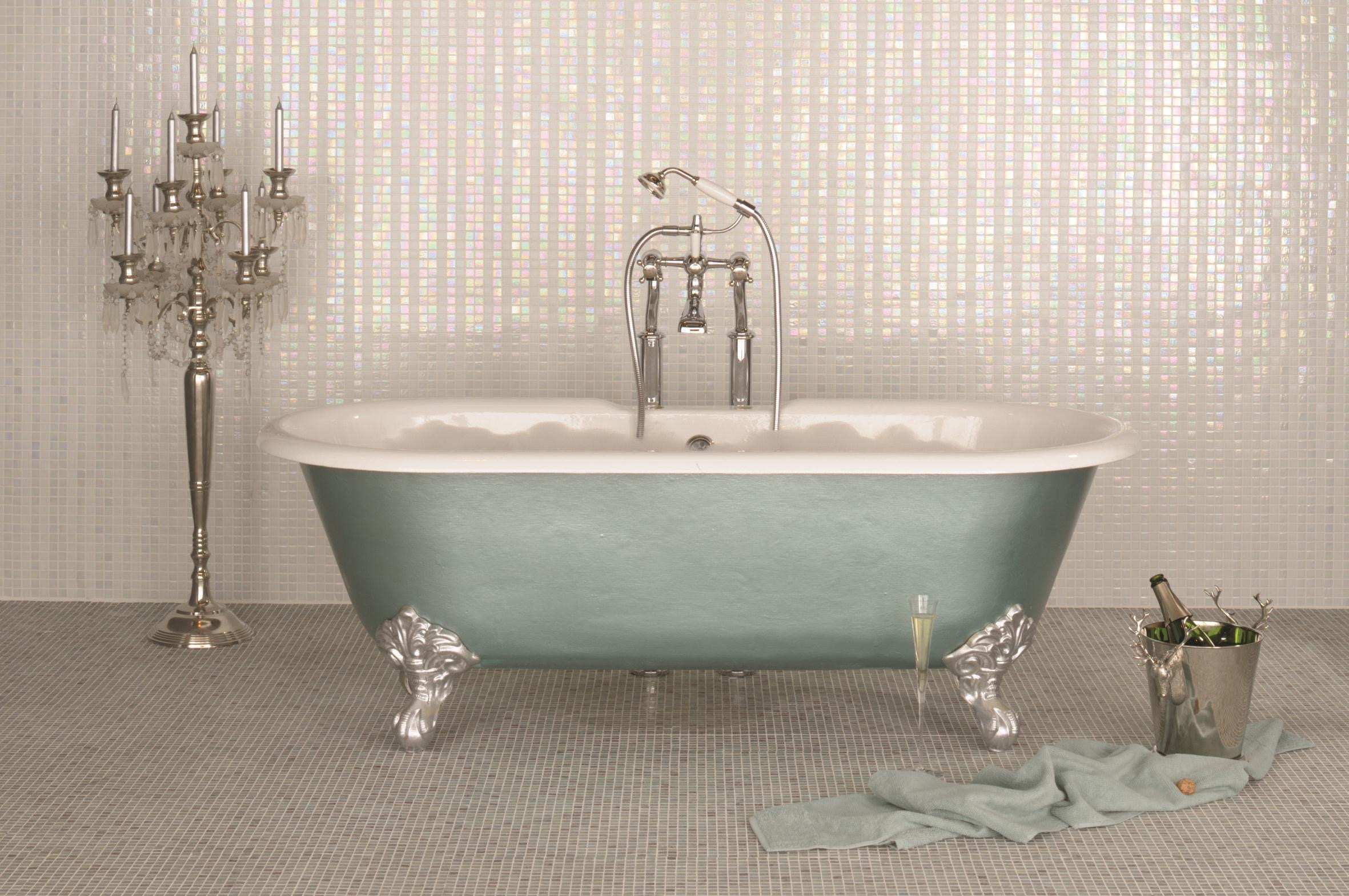 Original Style_Mosaics_GW-TPOMOS Taupo stripe with GW-KSMPMOS kashoto matt floor, bath shoot.jpg
