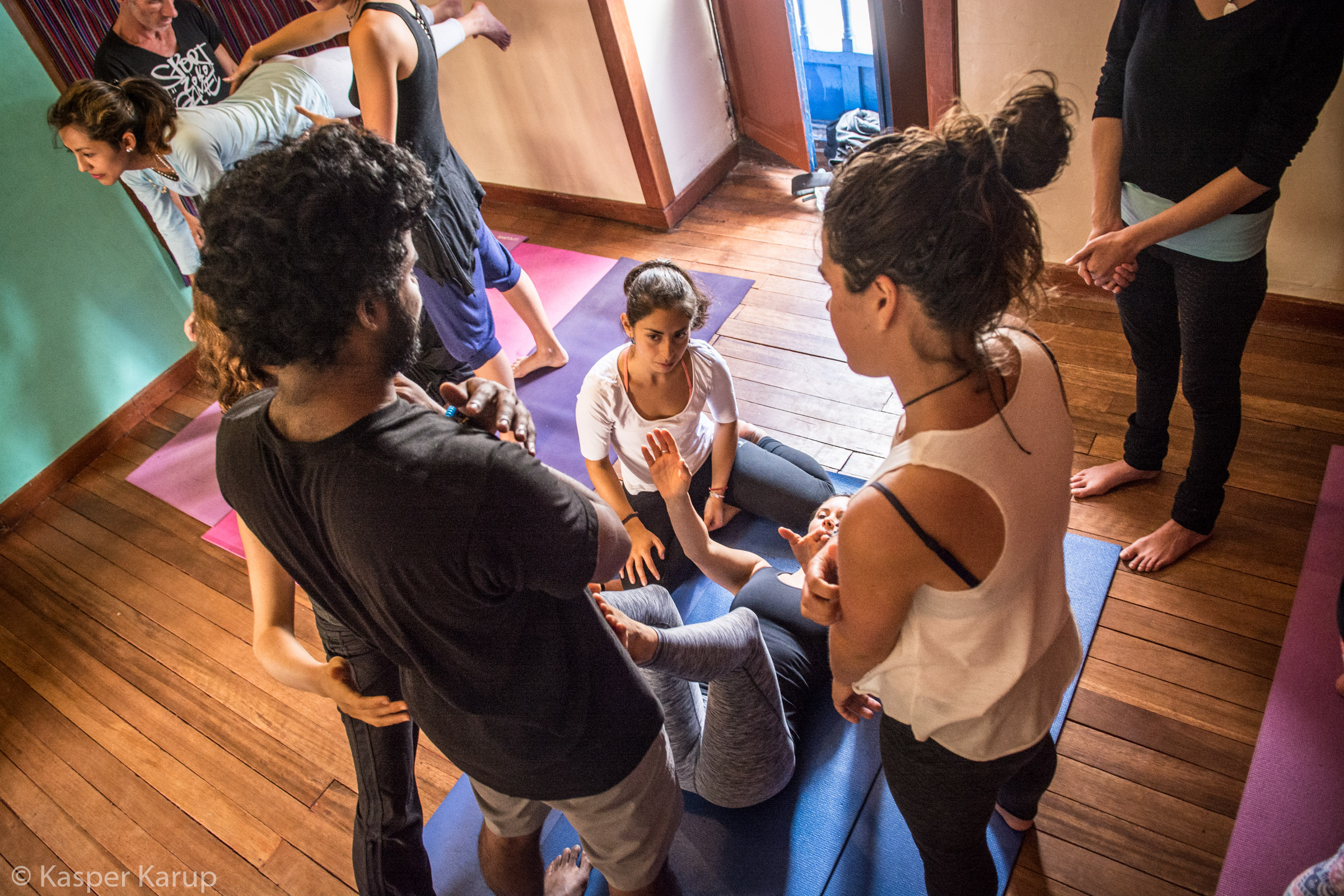Acroyoga Yoga Room Cusco-7.jpg