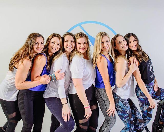 Empowered women empower women. Happy International Women's Day! #internationalwomensday #lifteachotherup #empoweringwomen  #legscorearms #fitwomen #fitspiration #ladiesofcrew