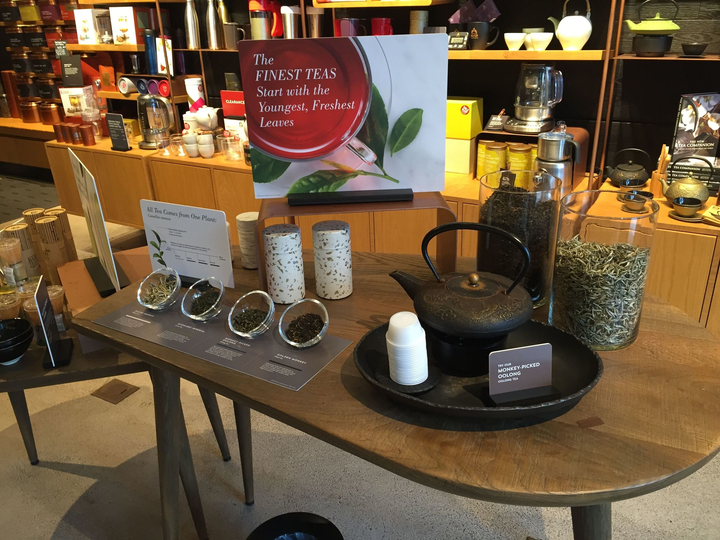 PrDIZ-q2AHxpnGGbX5ZIW1b_RRcJ1tfc_m7own6sCw0 teavana chicago 5 Sept 15 image from megan table with merch.jpg