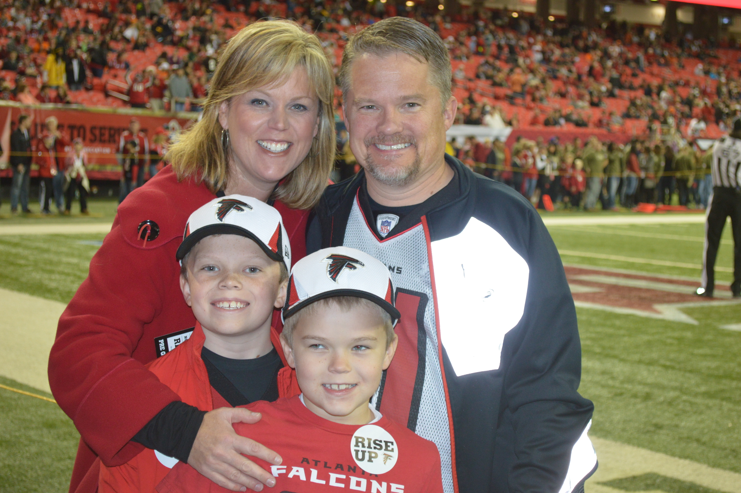Jenny_Buckley_Family_FalconsGame