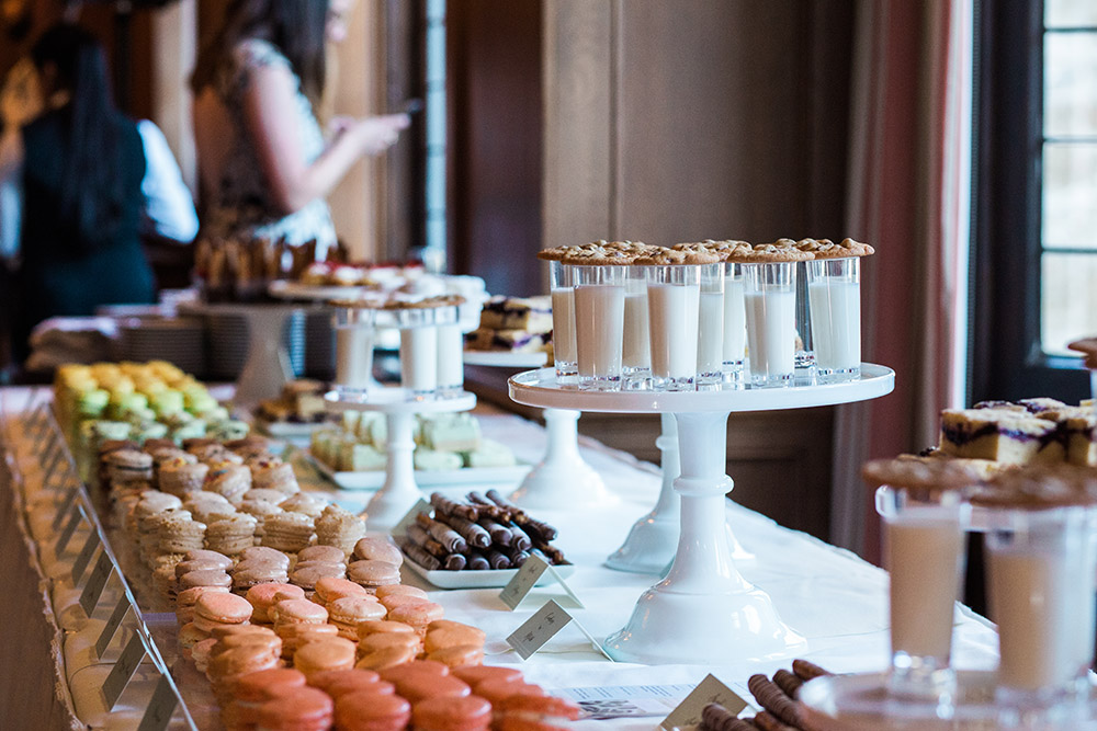 Seattle Bride Best Of Awards | The SweetSide | Seattle Custom Cakes and Dessert