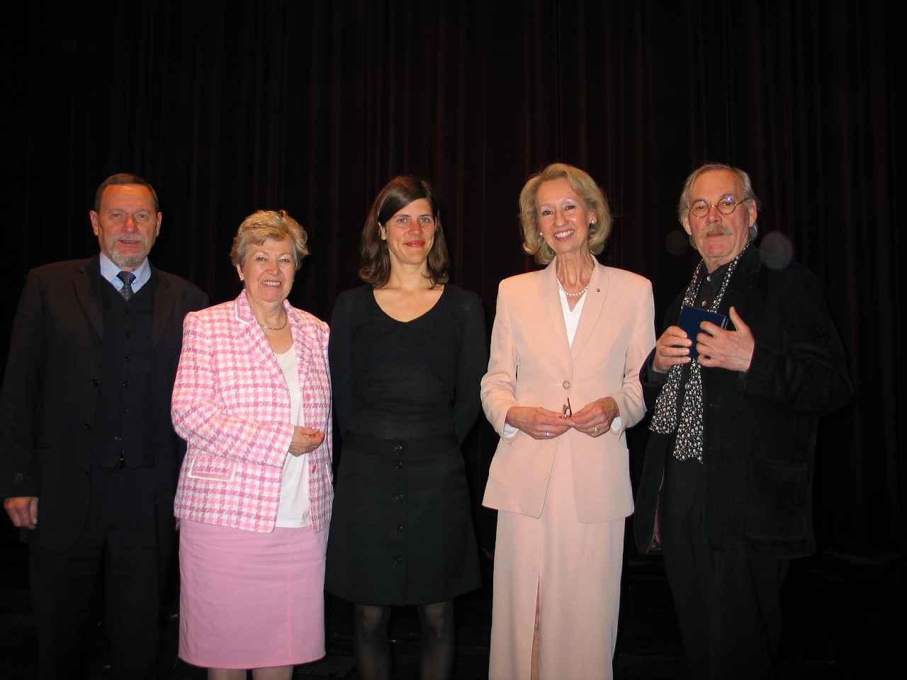 Gruppenbild von der Preisverleihung 2005