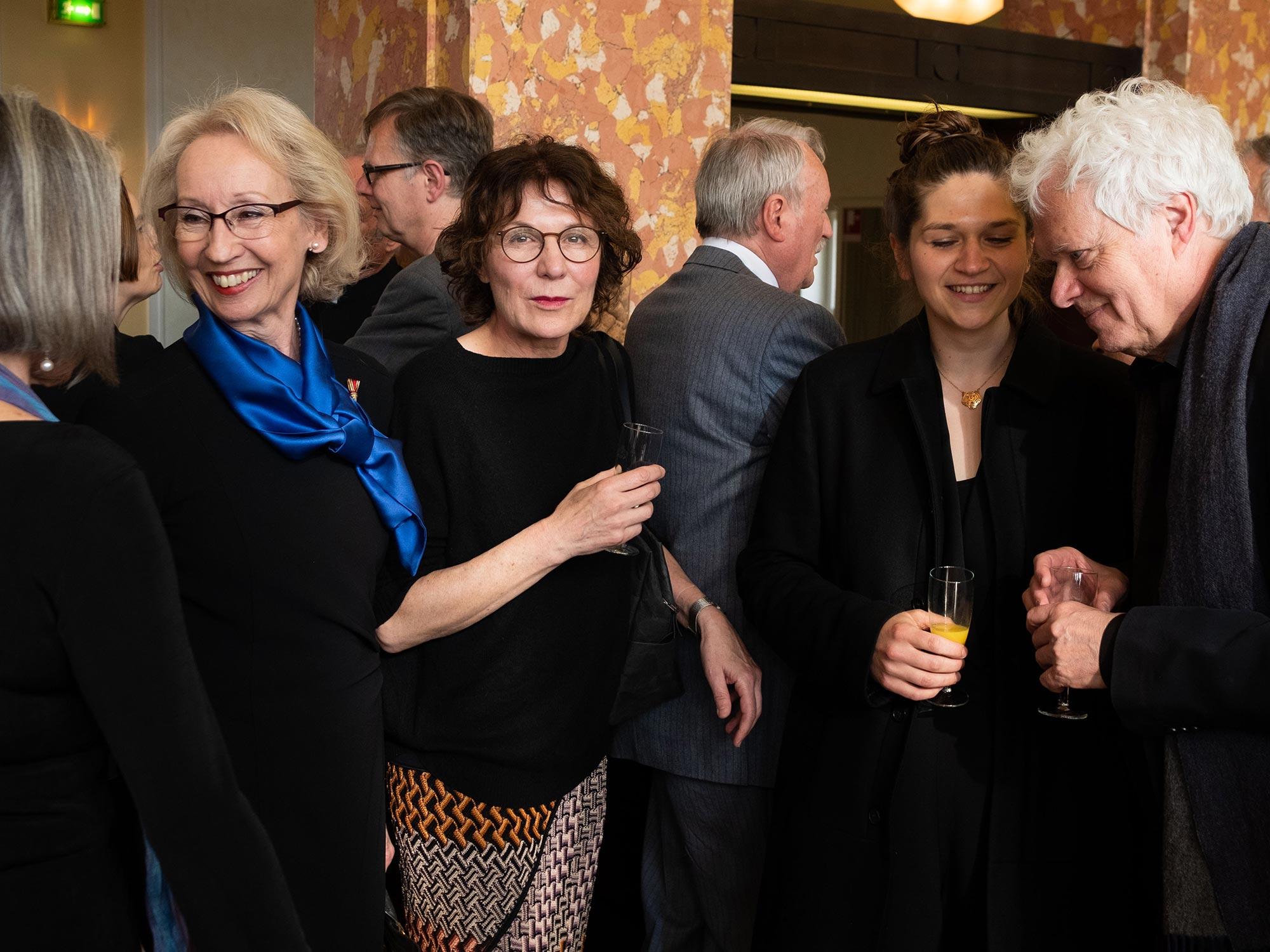 Katrin Brack beim Sektempfang im Foyer des Stadttheaters