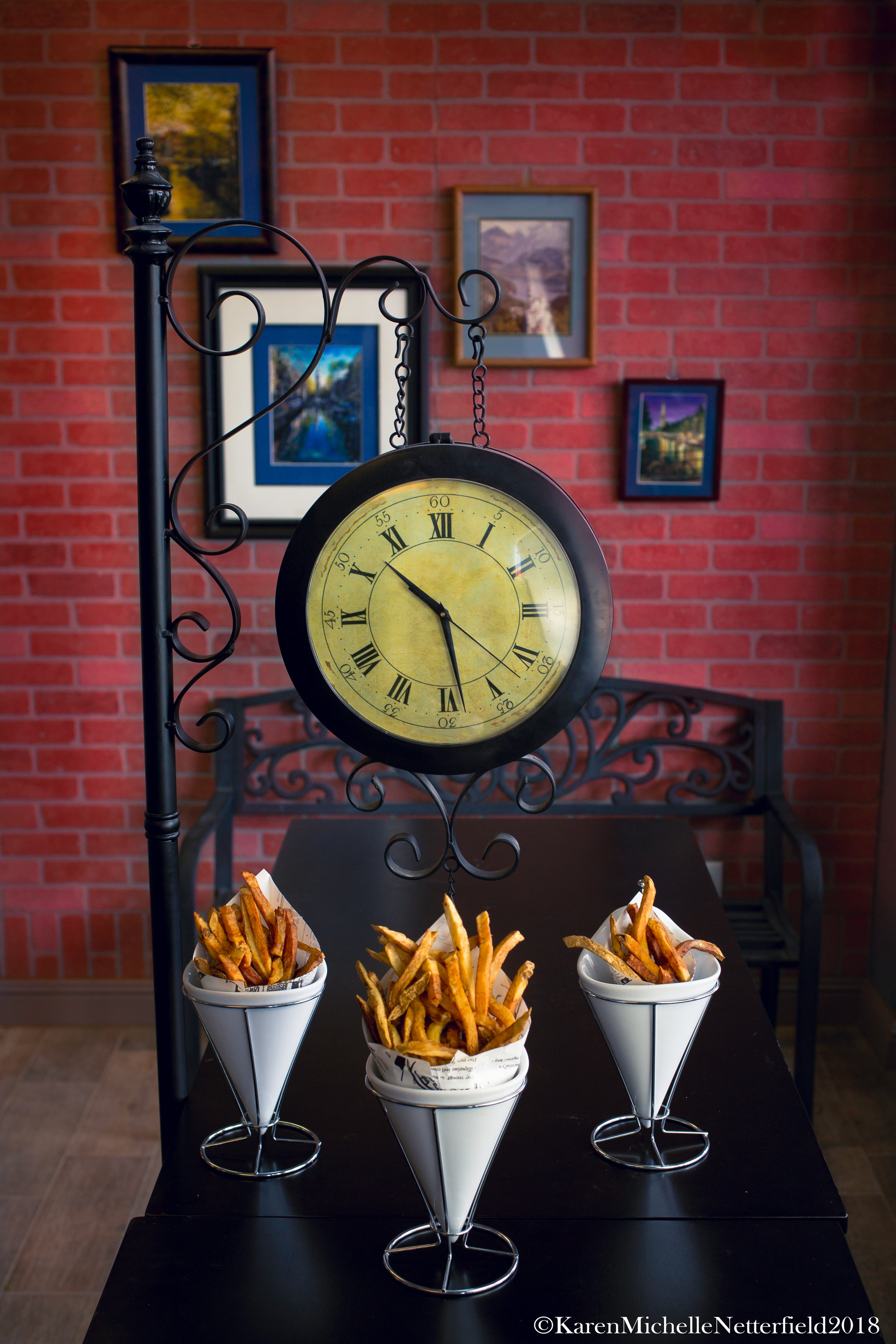 Frites_The_House_of_Frites_Lunch_ Special_1©KarenMichelleNetterfield2018.jpg