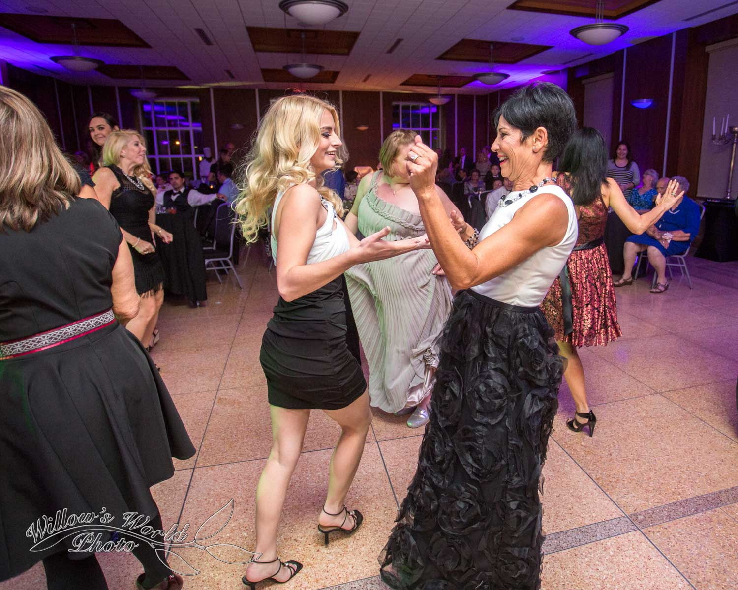 New Orleans Wedding Photos Messinas at the Terminal Willows World Photo-14.jpg