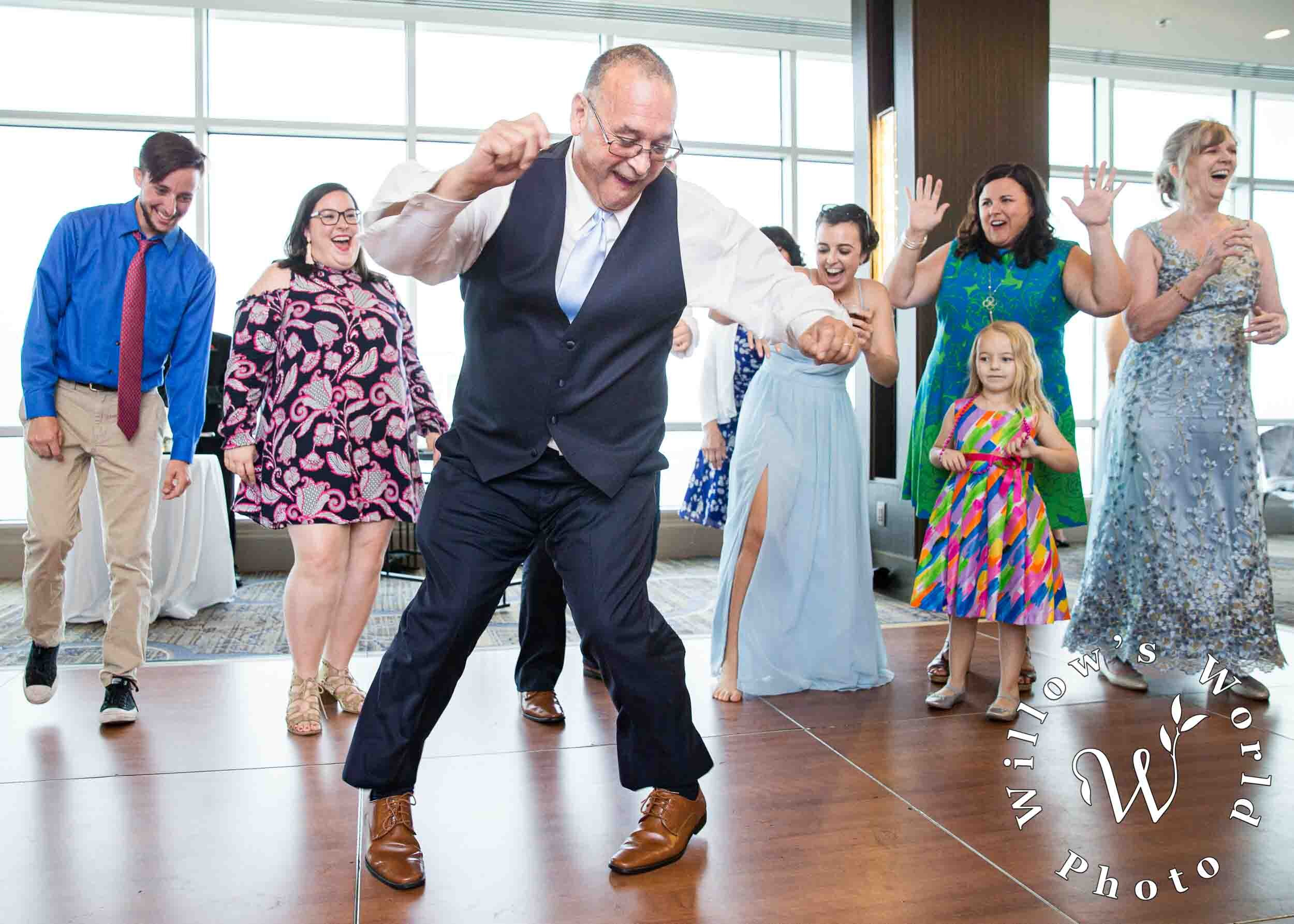 95-Marriott-Canal-St-New-Orleans-Wedding-Reception-Photo-Willows-World-Photo-8.jpg