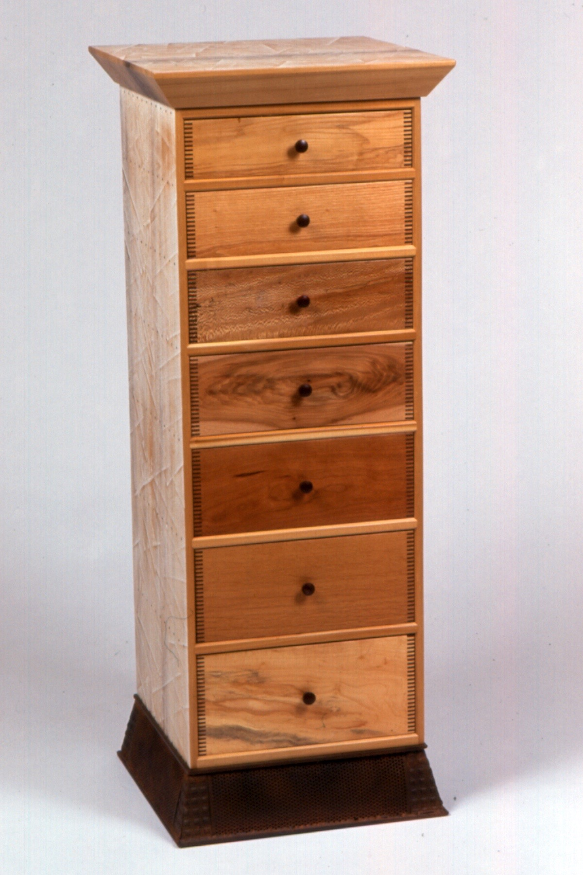 Chest of Drawers 2.jpg