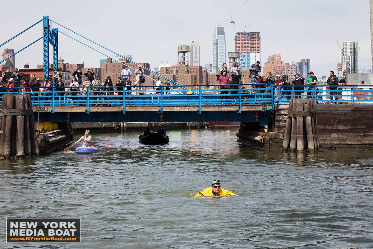 20150422_NewYorkMediaBoat_Gowanus_Swim-1281_1200wm.jpg