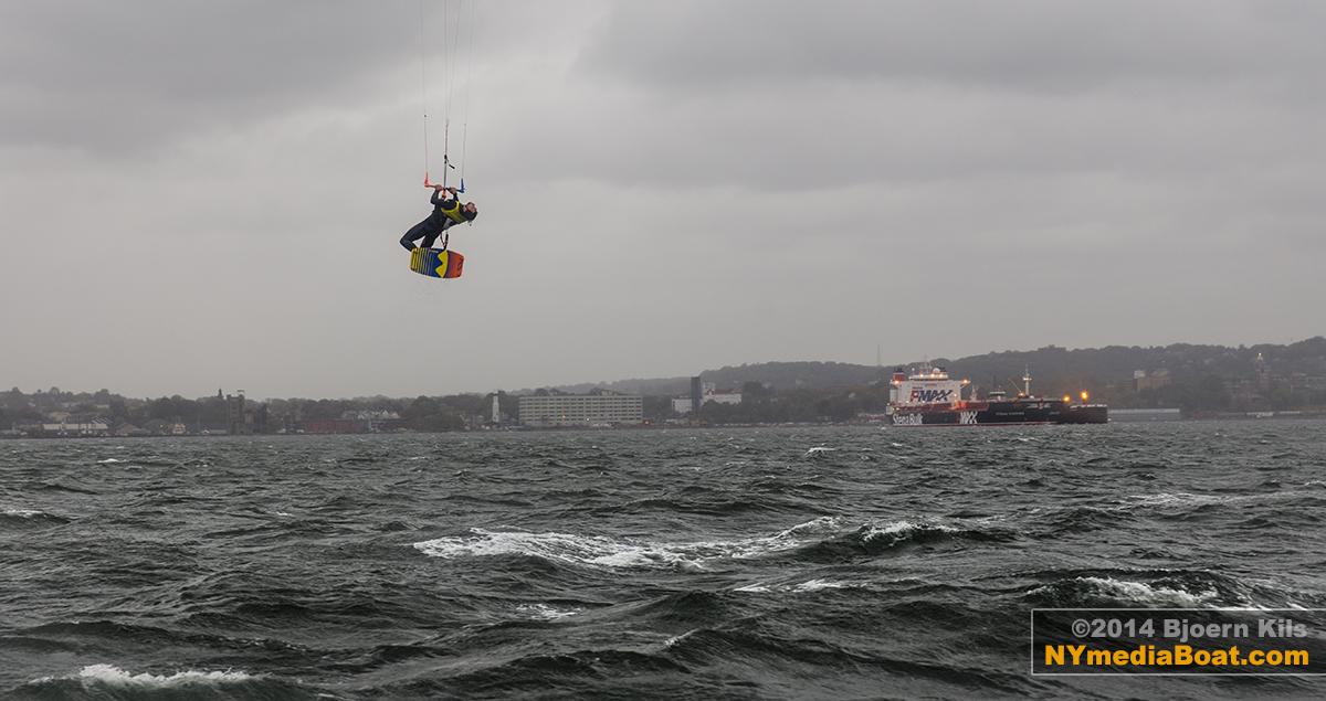 20140822_bjoern_kils_kitesurfing_NYC-7694_1200wm.jpg