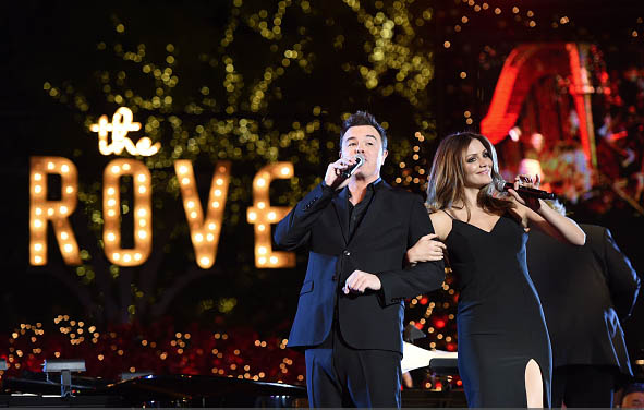 Katherine McPhee joined Seth MacFarlane on stage to sing a holiday classic