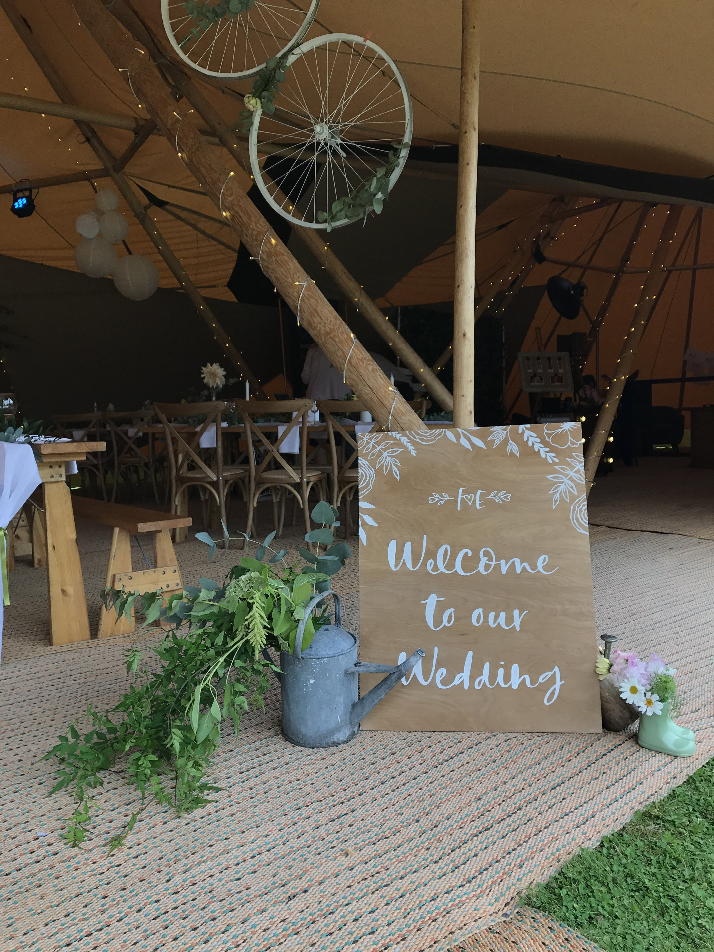 Styling a tipi wedding