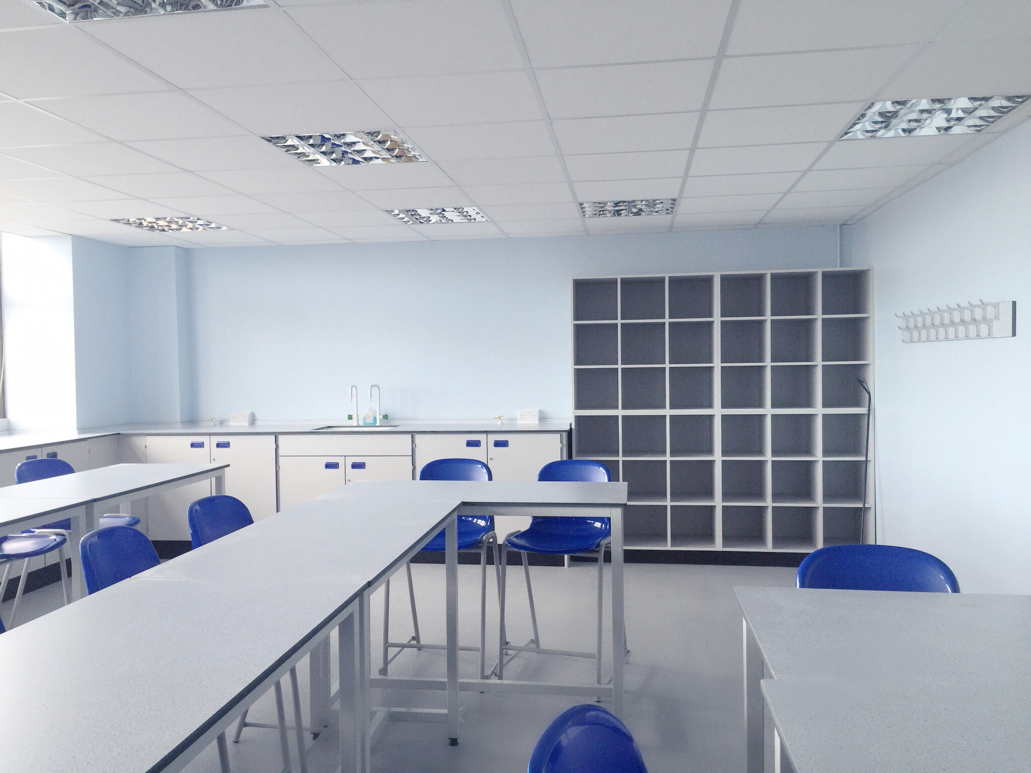 AJT Laboratory Furniture Design Trespa Toplab School Furniture associated Joinery Techniques 15.jpg