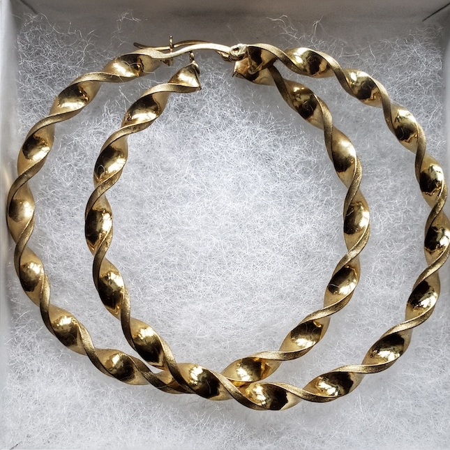Purchased from Star Jewelers. Contact: (340)-776-7494