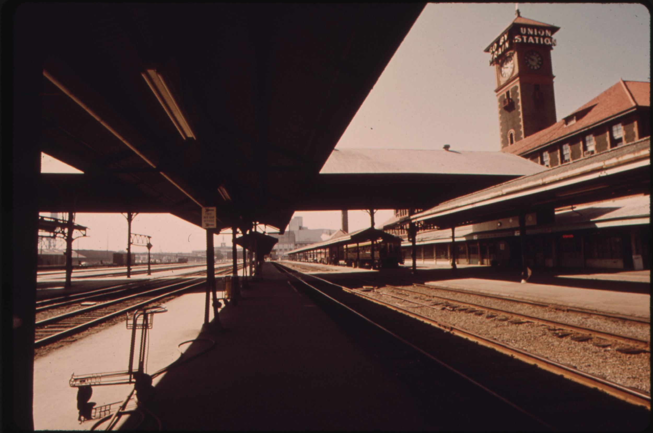 Portland's Union Station circa 1974.  Photo by Charles O'Rear, U.S. Environmental Protection Agency